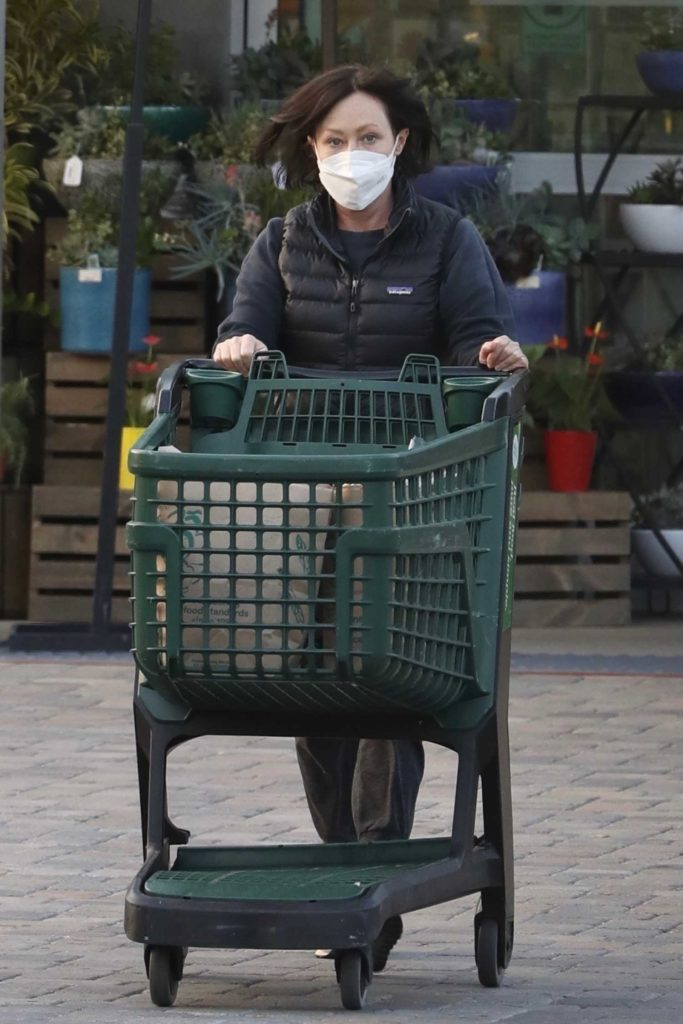 Shannen Doherty in a Protective Mask