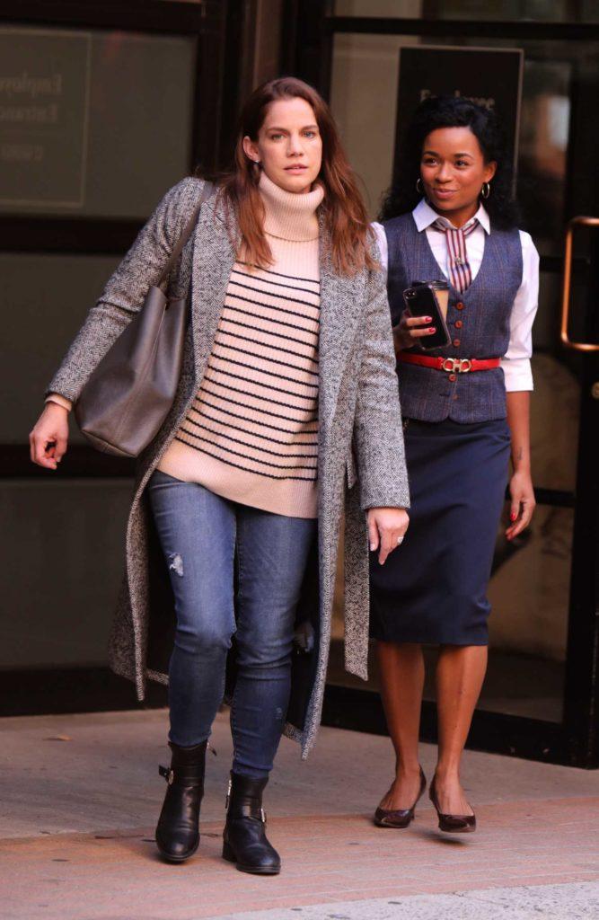 Anna Chlumsky in a Striped Sweater