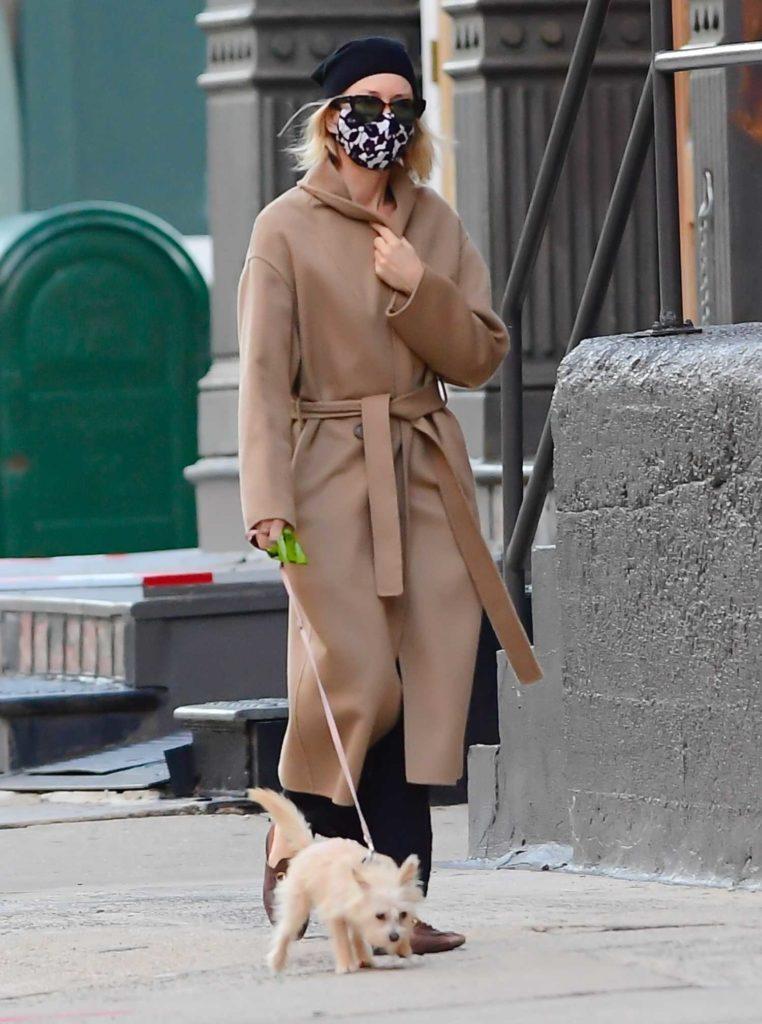 Naomi Watts in a Beige Coat