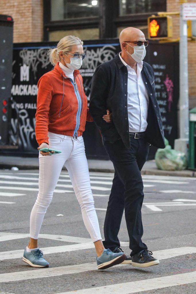 Yolanda Hadid in a White Pants