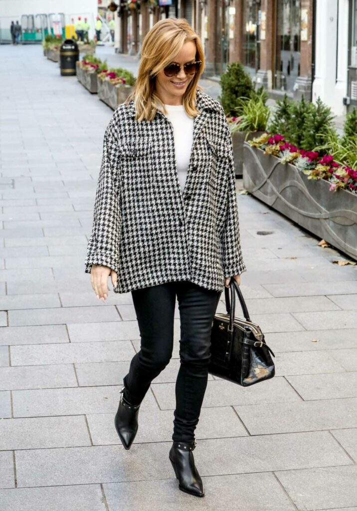 Amanda Holden in FS Collection Top