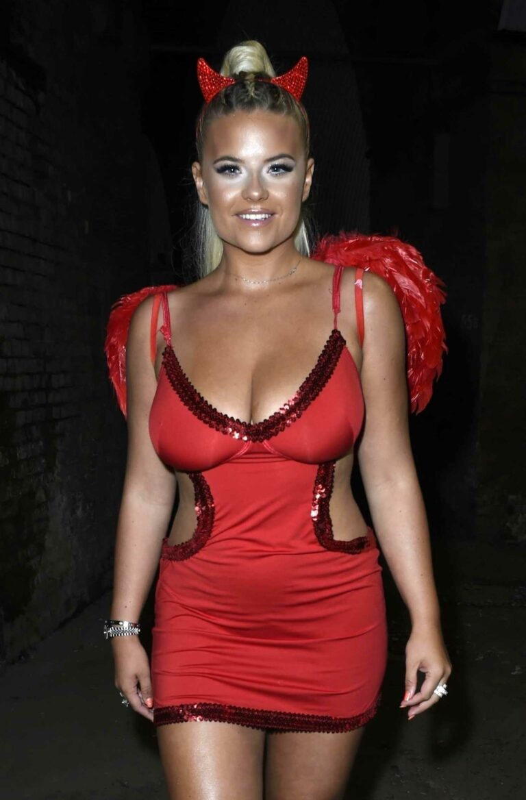 Apollonia Llewellyn in a Sexy Red Outfit Enjoys Halloween