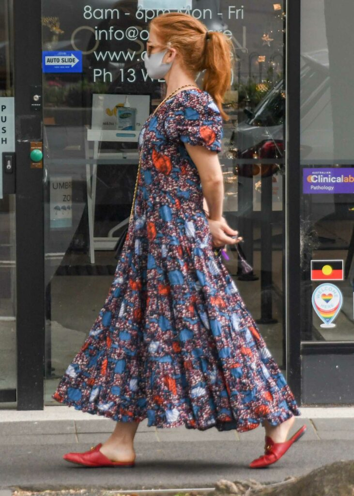 Isla Fisher in a Floral Dress