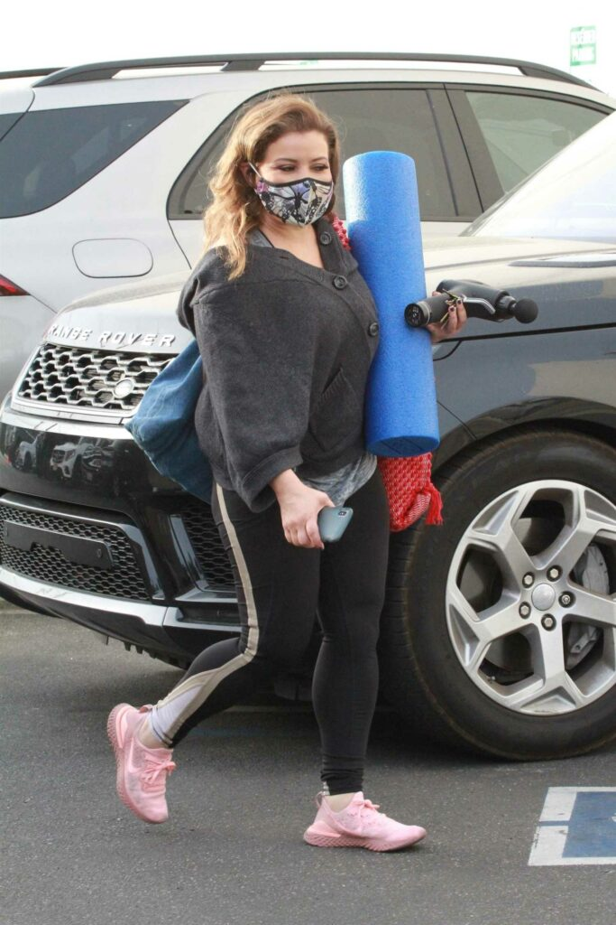 in a Pink Sneakers Arrives at the DWTS Studio in Los Angeles 11/20/2020