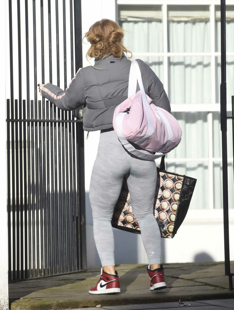 Maisie Smith in a Grey Leggings