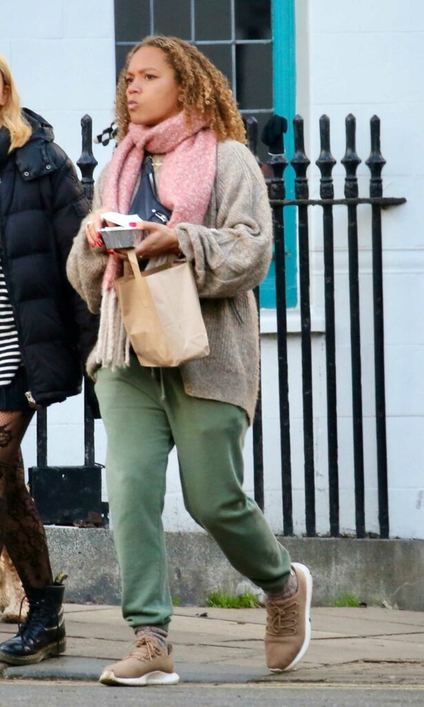Angela Griffin in an Olive Sweatpants