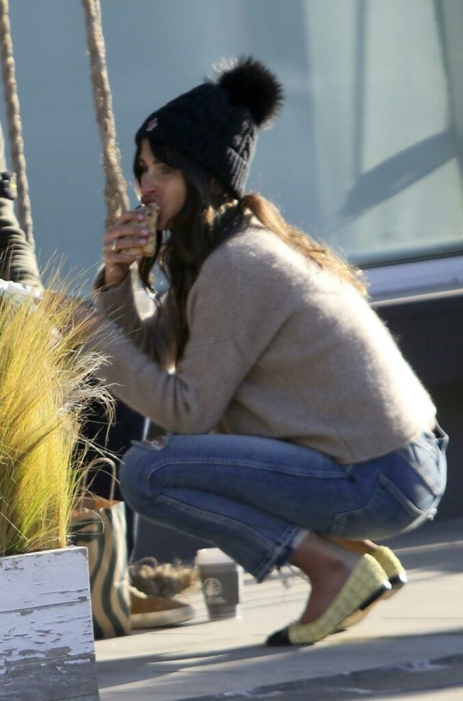 Jordana Brewster in a Black Knit Hat