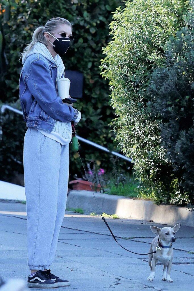 Stella Maxwell in a Grey Sweatpants