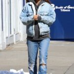 Emily Ratajkowski in a Blue Ripped Jeans Was Seen Out with Her Husband and Dog in New York