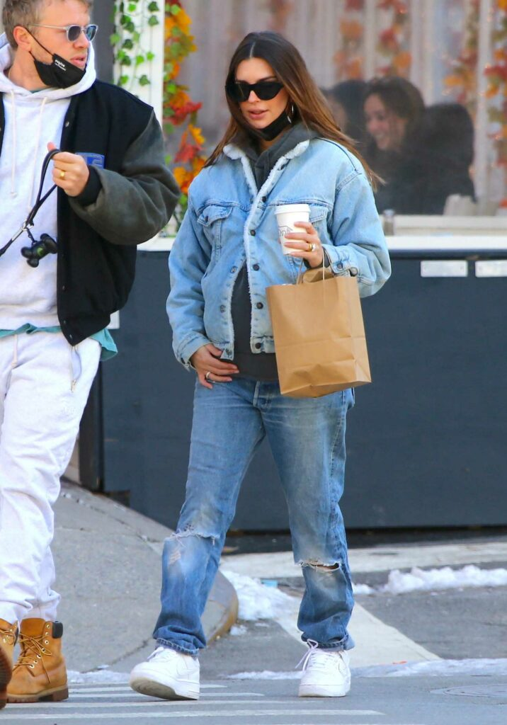 Emily Ratajkowski in a Blue Ripped Jeans