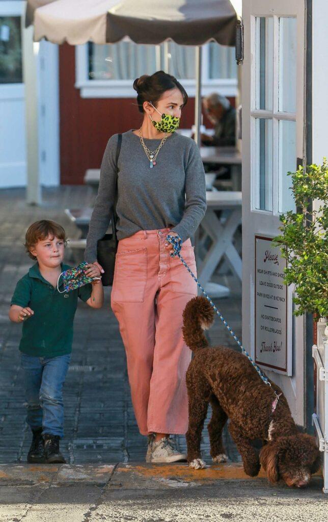 Jordana Brewster in a Pink Pants