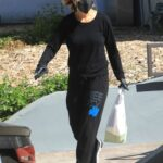 Lisa Rinna in a Black Sweatpants Goes Grocery Shopping in Beverly Hills