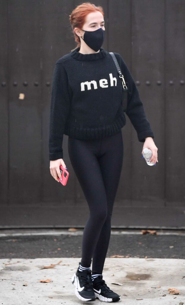 Zoey Deutch in a Black Outfit