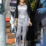 Brooke Burke in a Grey Sweatpants Fuels Up Her Range Rover in Santa Monica