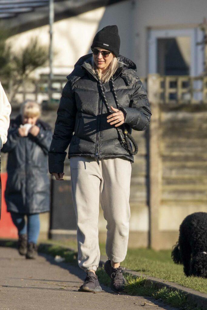 Gemma Atkinson in a Black Beanie Hat