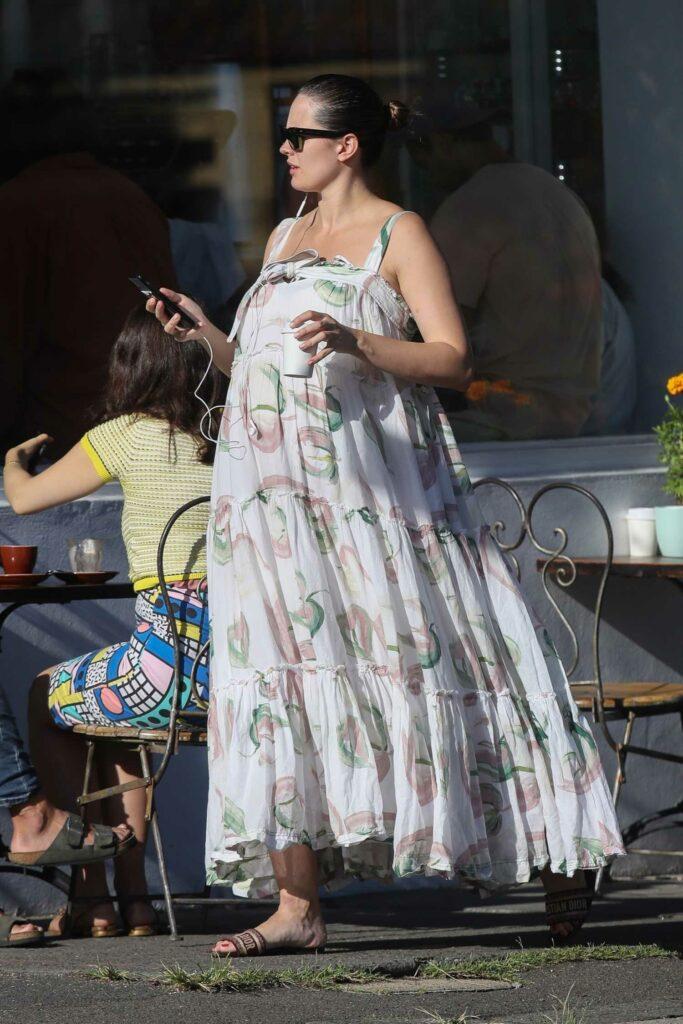 Jesinta Franklin in a White Floral Dress
