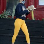 Kate Hudson in a Yellow Leggings Was Seen Out in Los Angeles