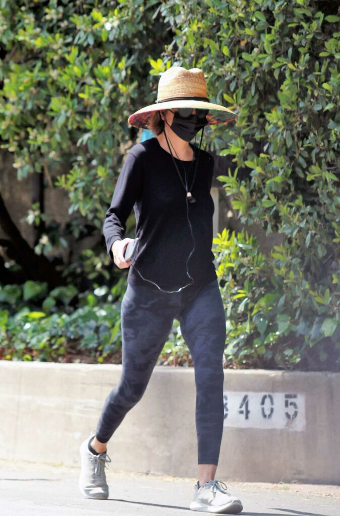 Lisa Rinna in a Black Sweatshirt