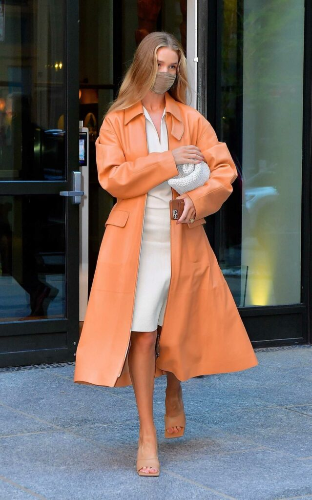 Rosie Huntington-Whiteley in a Coral-Hued Trench Coat