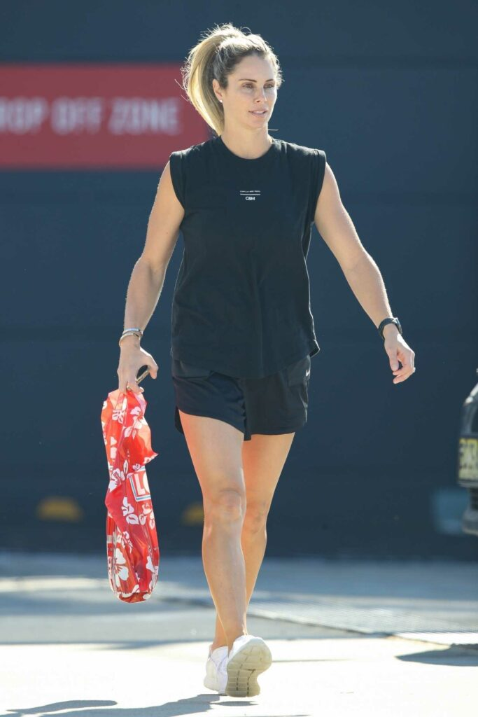 Candice Warner in a White Sneakers