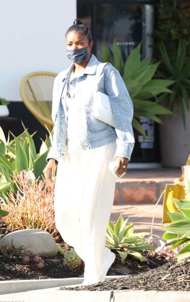 Gabrielle Union in a White Pants