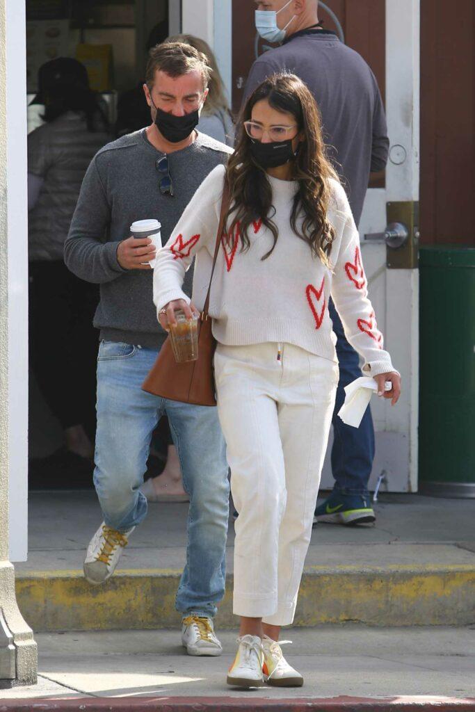 Jordana Brewster in a White Pants