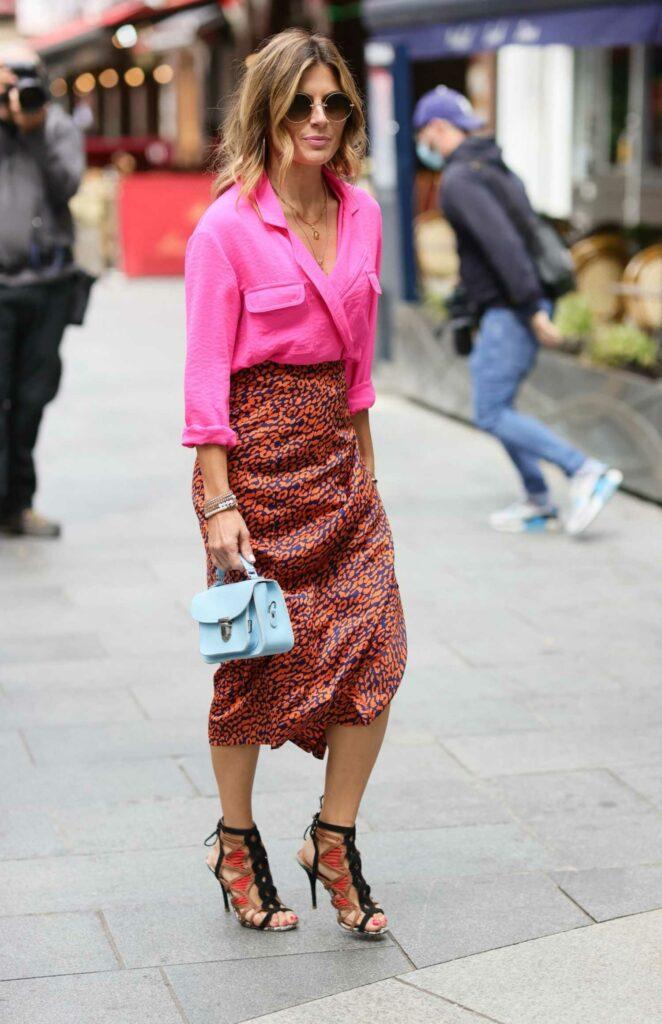 Zoe Hardman in a Pink Shirt