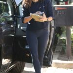 Jennifer Garner in a Black Leggings Checking Out Her New House in Brentwood