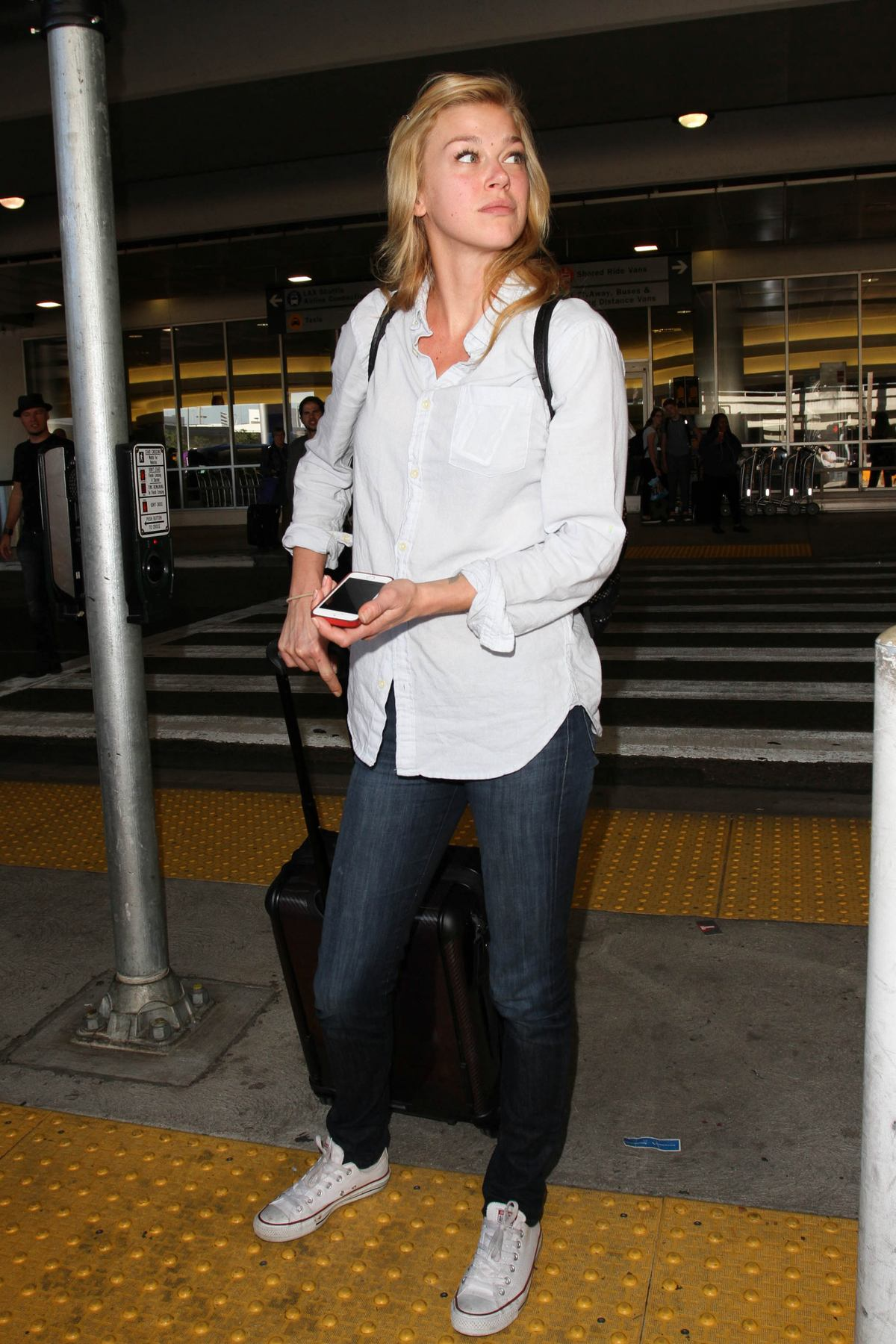 Adrianne Palicki Arrives at LAX Airport-1