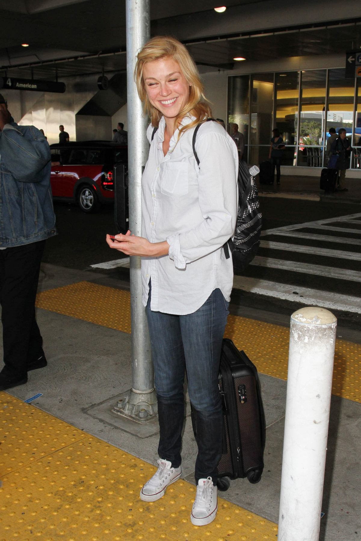 Adrianne Palicki Arrives at LAX Airport-3