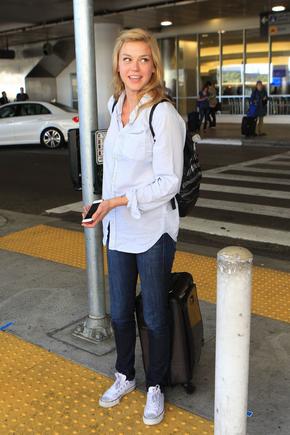 Adrianne Palicki Arrives at LAX Airport-4