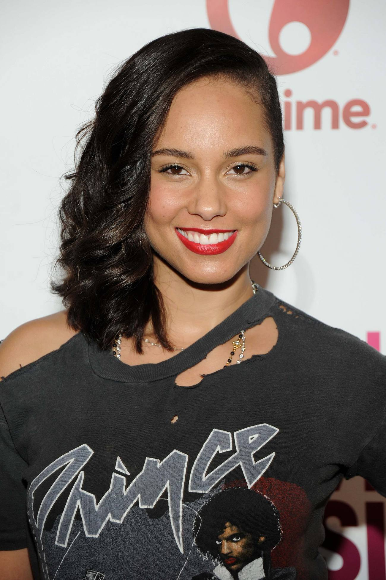 Alicia Keys arrives at Billboards Women in Music Event-4