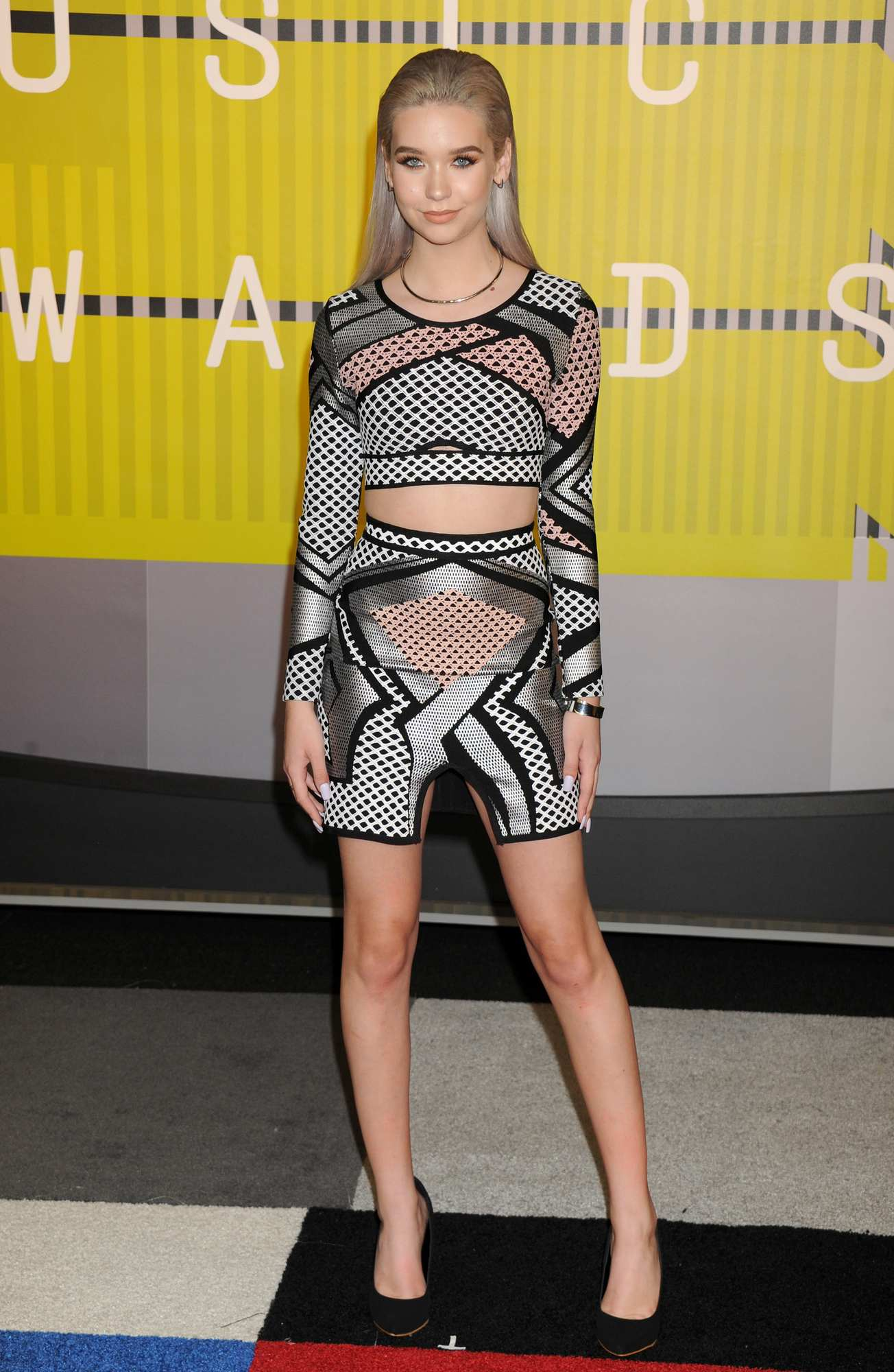 Amanda Steele at MTV Video Music Awards-1