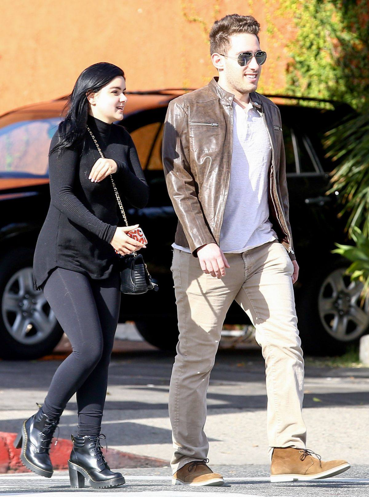 Ariel Winter spotted out with her boyfriend in Beverly Hills-1