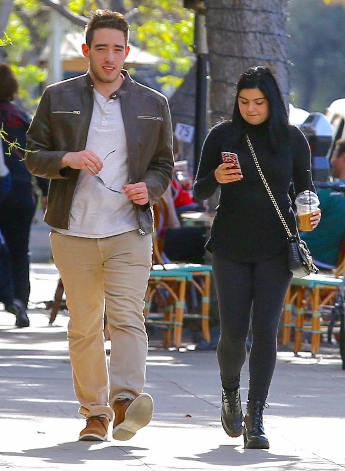 Ariel Winter spotted out with her boyfriend in Beverly Hills-2