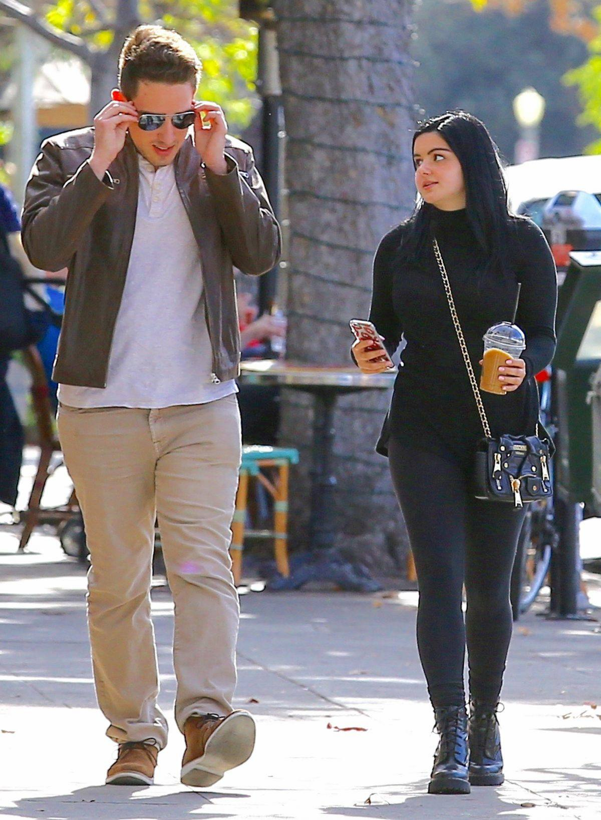 Ariel Winter spotted out with her boyfriend in Beverly Hills-4