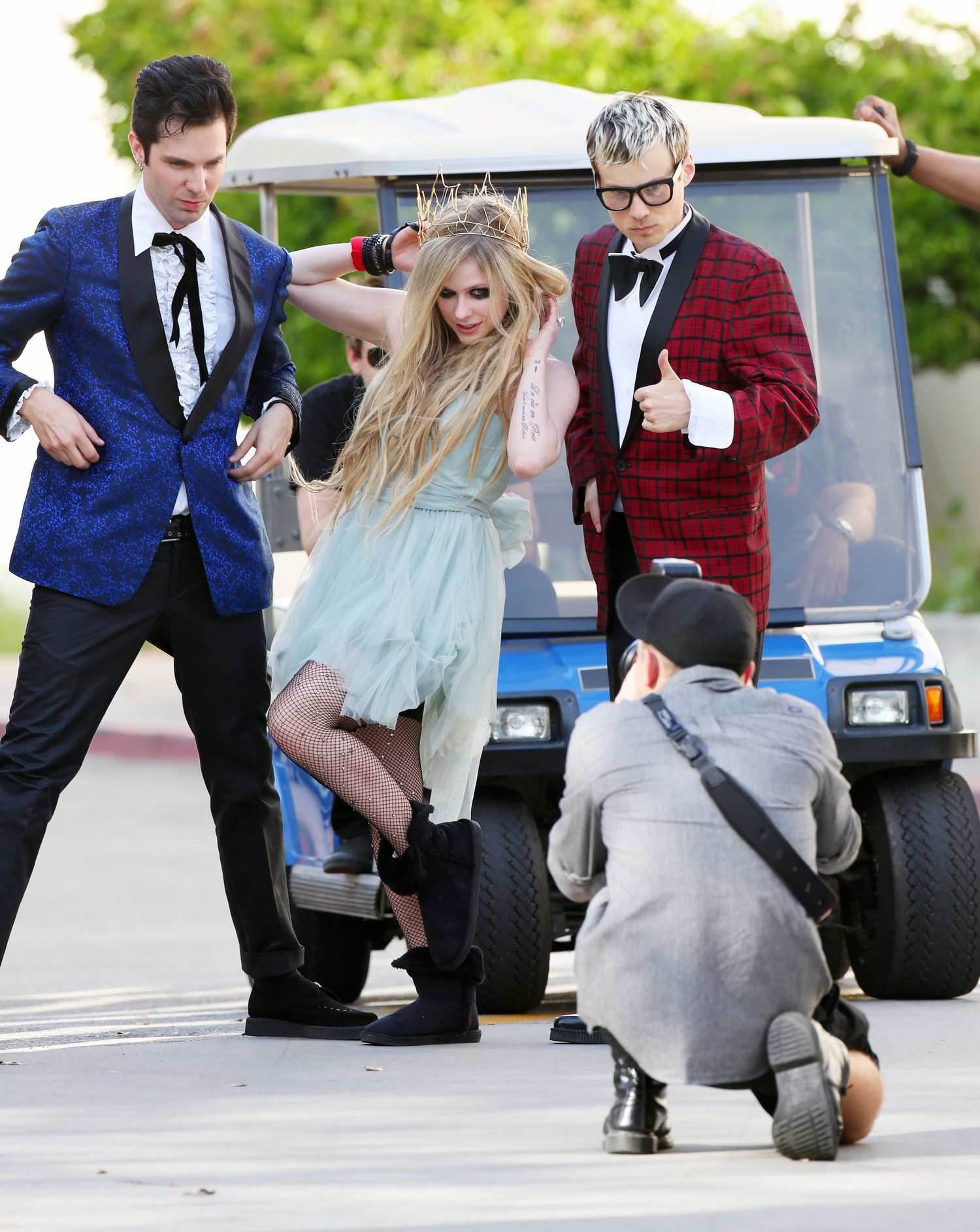 Avril Lavigne Accompanied With Chad Kroeger Film New Music Video in Los Angeles-1