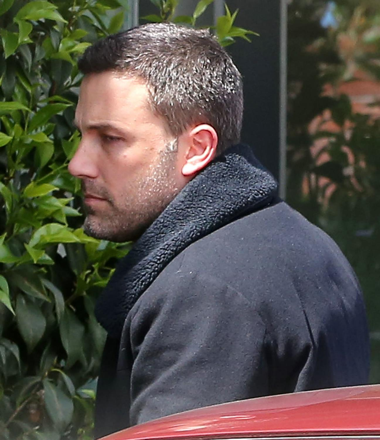 Ben Affleck Out in Brentwood-1