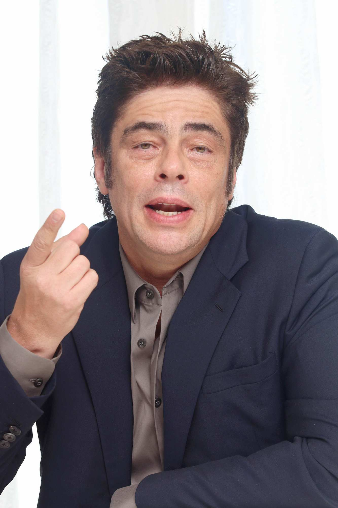 Benicio Del Toro at A Perfect Day Press Conference – Celeb Donut Emily Blunt
