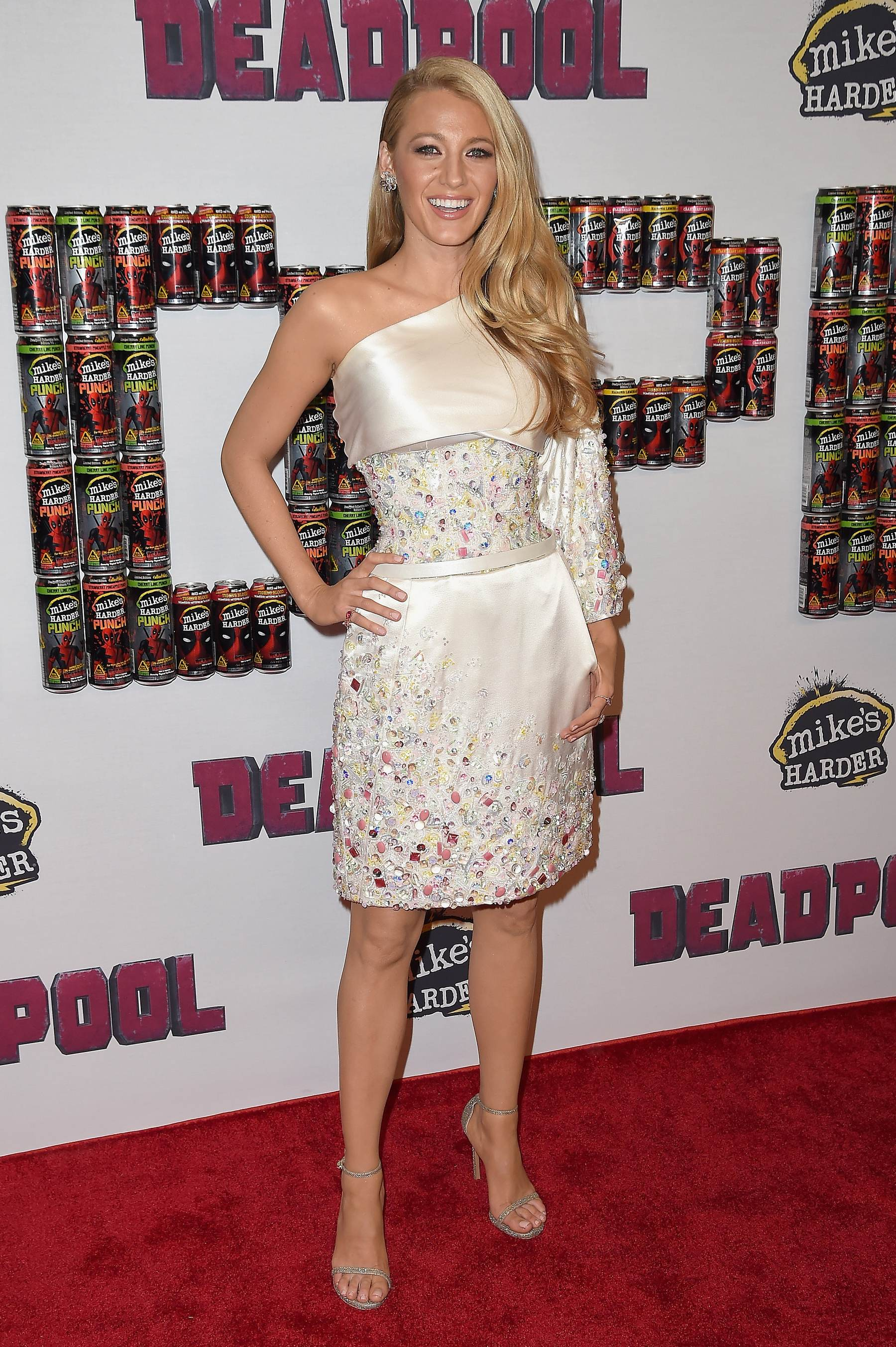 Blake Lively and Ryan Reynolds at Deadpool Fan Event-1