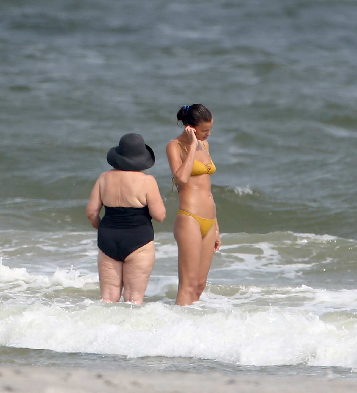 Bradley Cooper and Irina Shayk Romantic Vacation in New Jersey-1