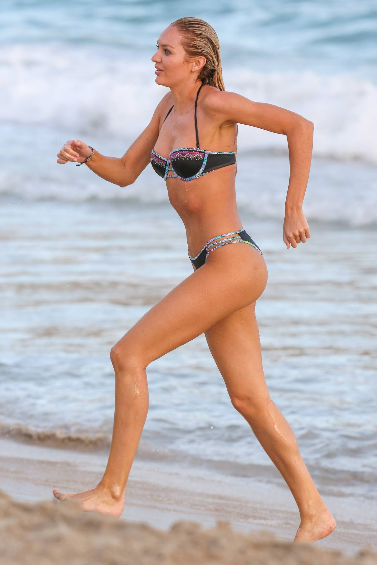 Candice Swanepoel Shooting for Victorias Secret Bikini Photoshoots-1