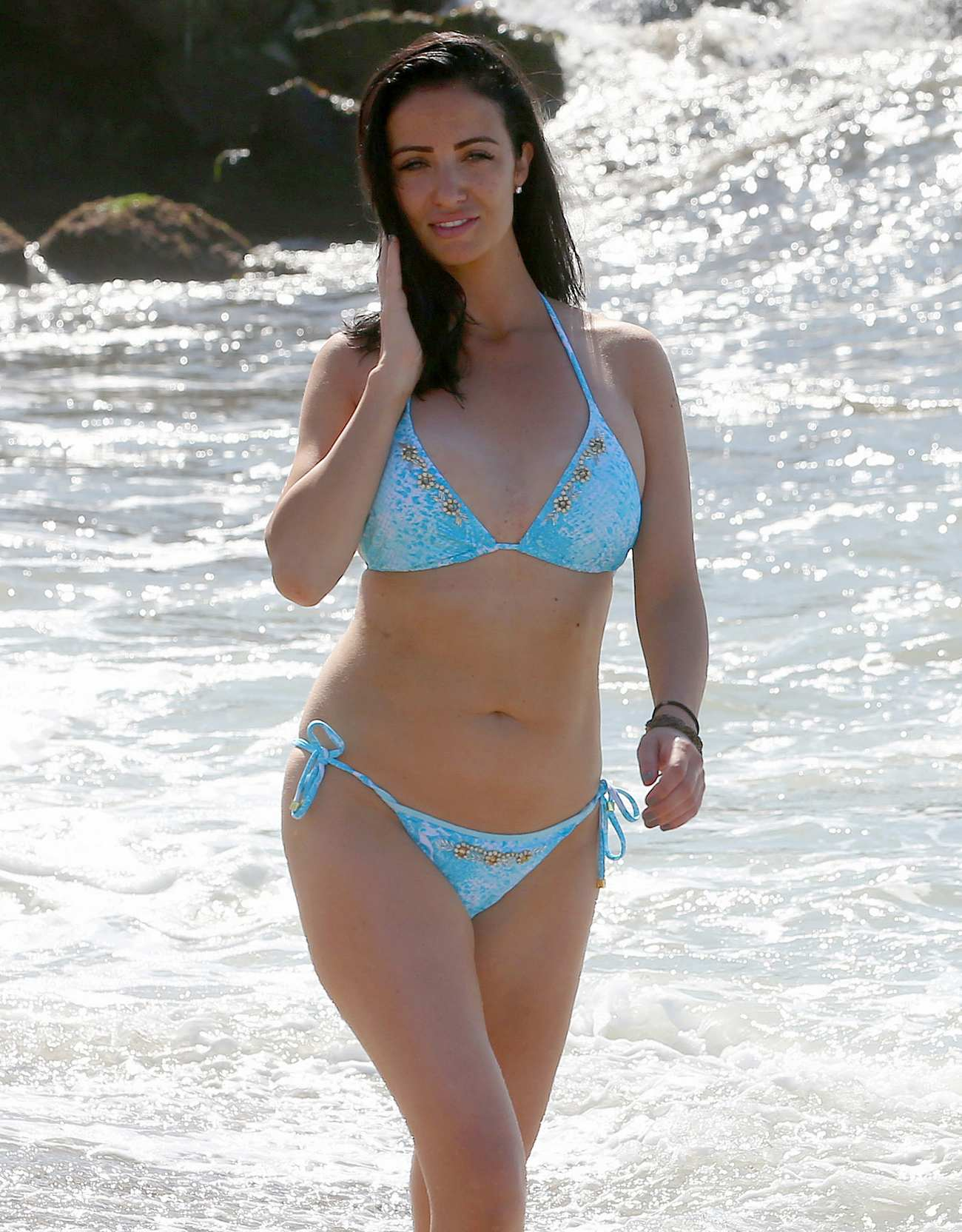 Chantelle Houghton Sexy Vacation With Friends in Spain-4