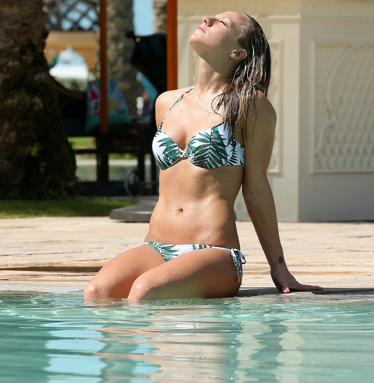 Chloe Madeley Shows Off Her Toned Body in Dubai-2