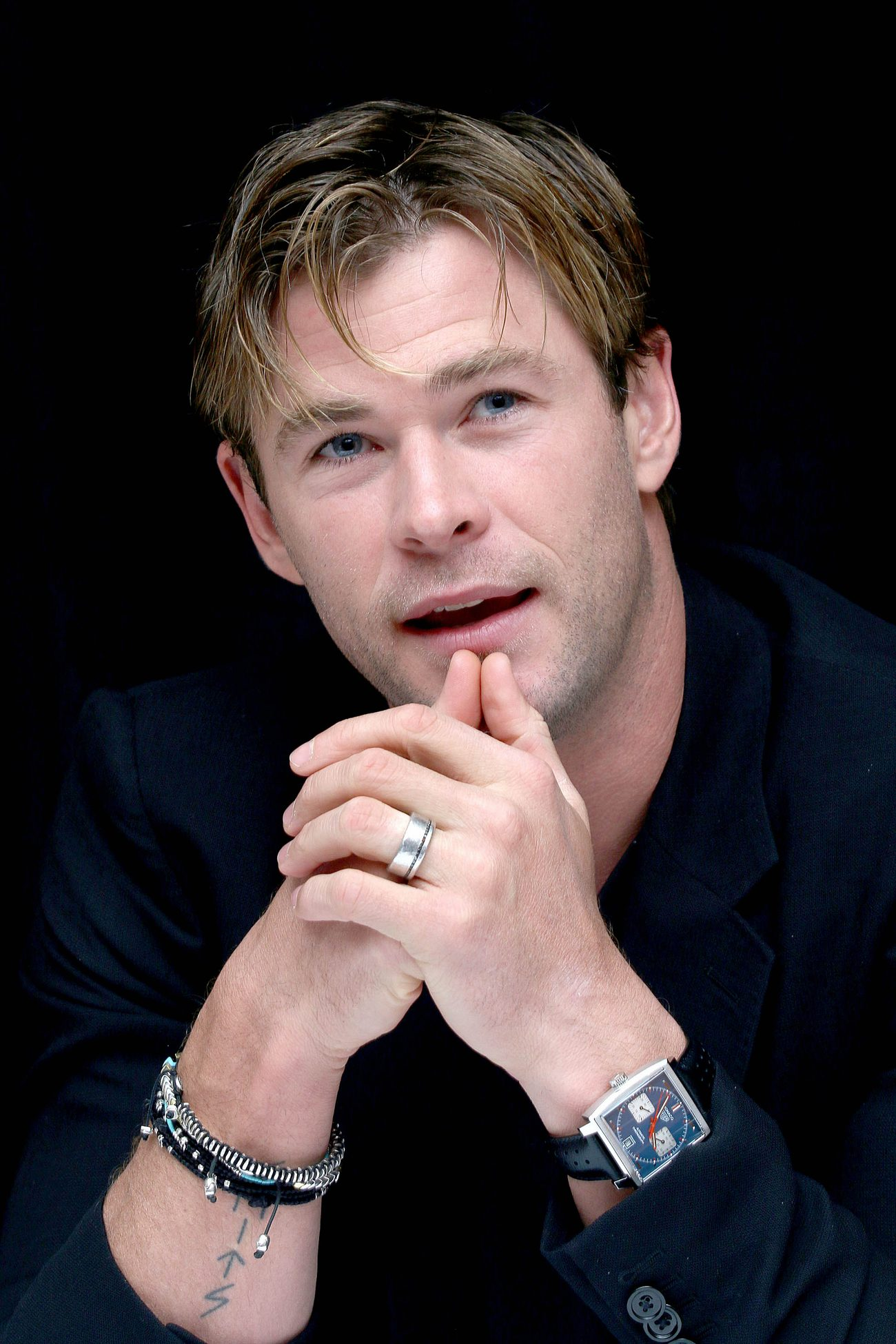 Chris Hemsworth at Ine Heart ofe Sea Press Conference-1