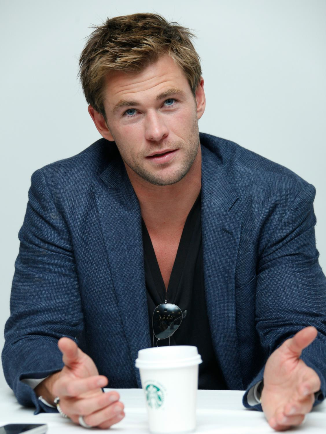 Chris Hemsworth at The Avengers: Age of Ultron Press Conference-3