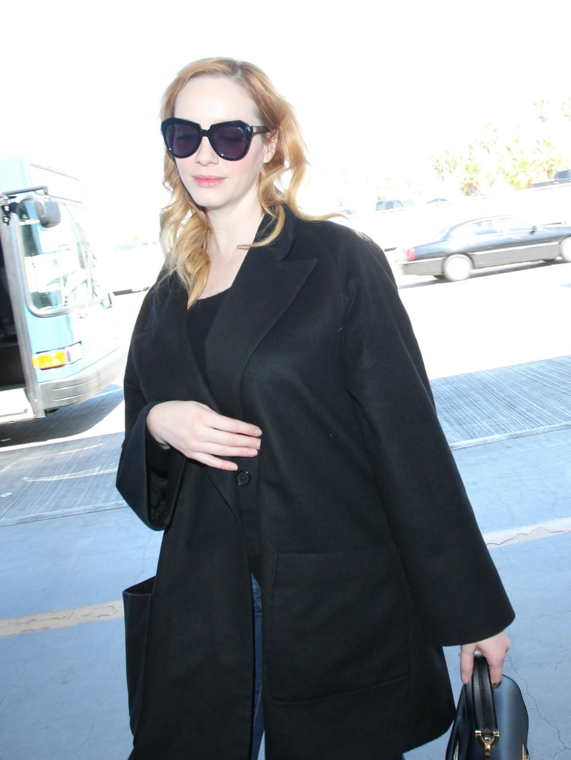 Christina Hendricks Arrives at LAX Airport-2