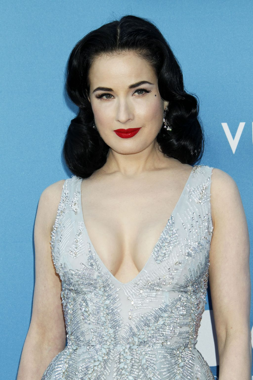 Dita Von Teese at MOCA Gala presented by Louis Vuitton at The Geffen Contemporary-2