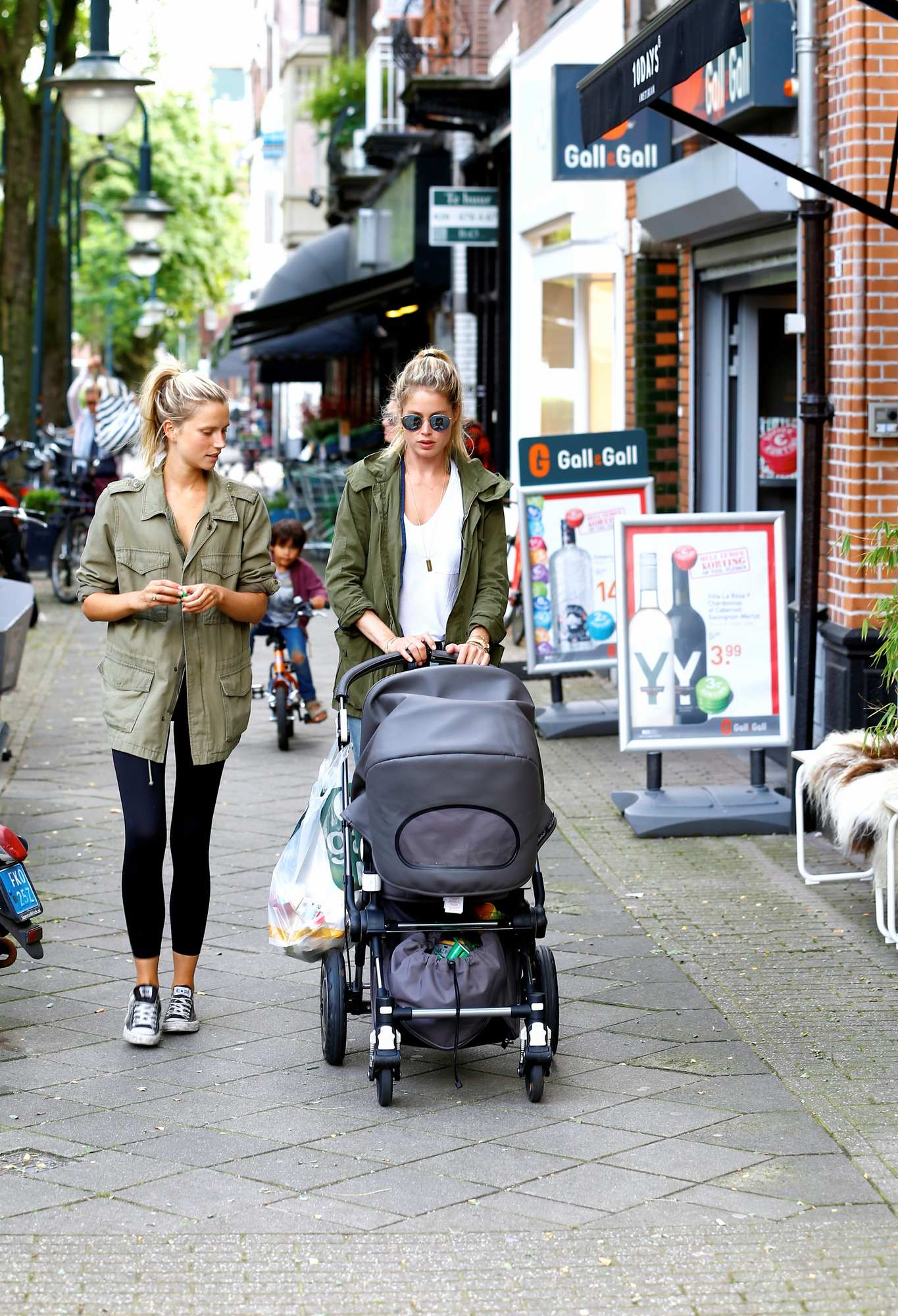 Doutzen Kroes and Sunnery James Take Kids in Amsterdam-1