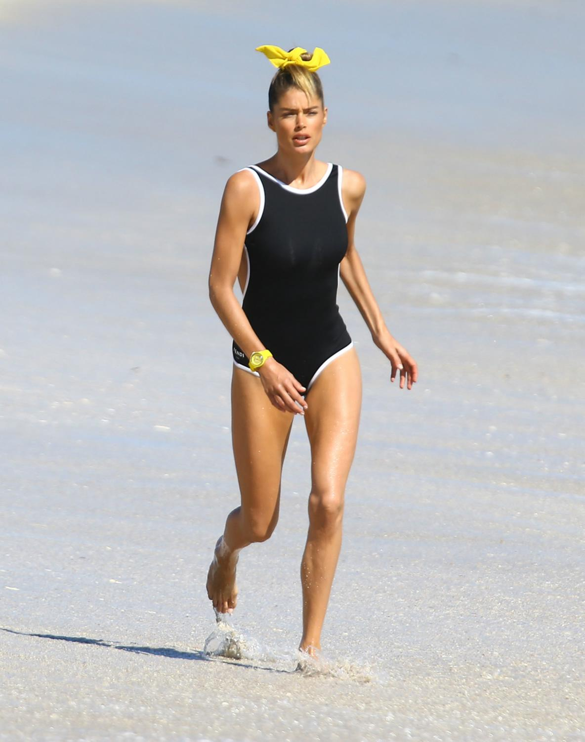 Doutzen Kroes Shows Off Bikini in Miami-1